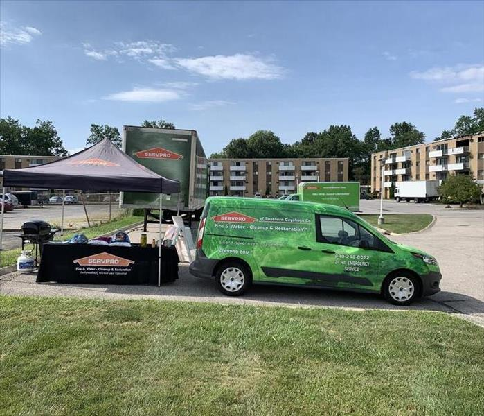 SERVPRO of Southern Cuyahoga County sets up trucks and tents at fire.